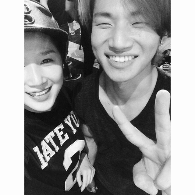 Dae Sung - Dançarina Park Eun Young - 27jul2014.jpg