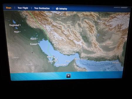05. Aterizam la Doha.JPG