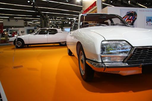 Citroën GS, avec dans le fond