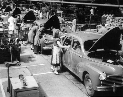 Ligne de montage des Peugeot 203 en 1951