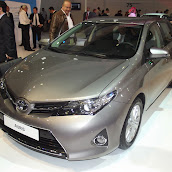 2013-Toyota-Auris-1.jpg