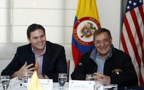 [Panetta-Hails-Colombian-Gains-in-Drug-War%255B2%255D.jpg]
