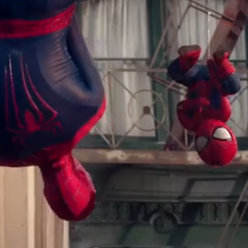 Evian presenta a Spiderman y a baby Spiderman