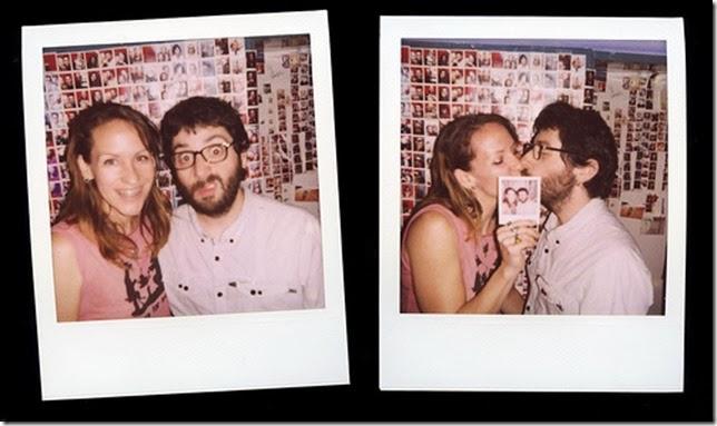 polarroid kiss-wedding photo