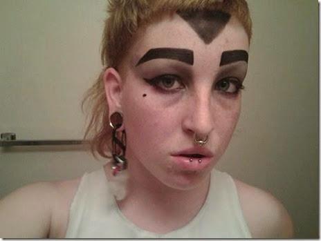 women-scary-eyebrows-054
