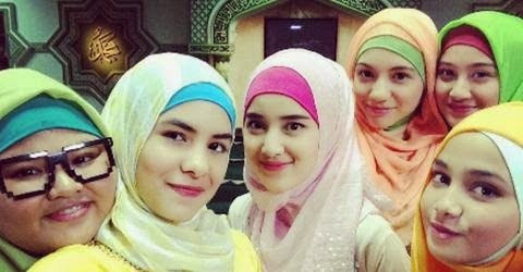 Jilbab In Love (12)