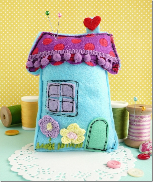 cafe creativo - sizzix big shot - sewing houses pincushion (2)