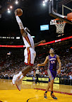 lebron james nba 121105 mia vs phx 17 King James wears 5 Colorways of Nike LeBron X in 6 Games