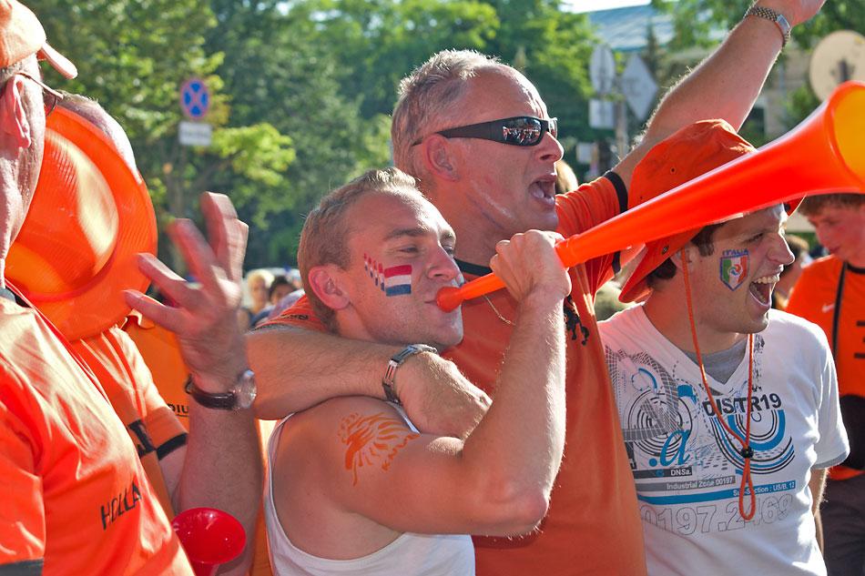 Евро 2012 по футболу. Харьков. 13 июня. Перед матчем Голландия - Германия - 18