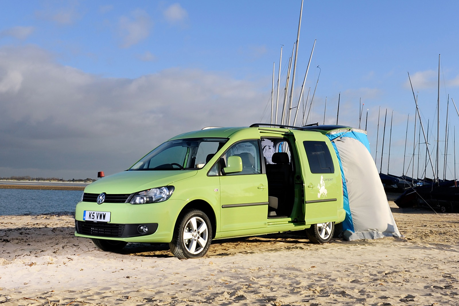volkswagen caddy maxi camper is the camping van for the masses carscoop. Black Bedroom Furniture Sets. Home Design Ideas