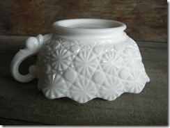 milk glass with handle