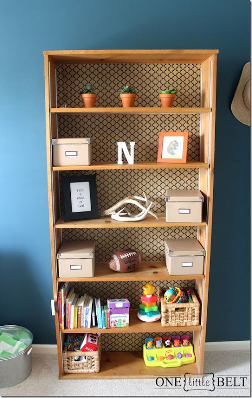 wallpaper-backed-bookcase1