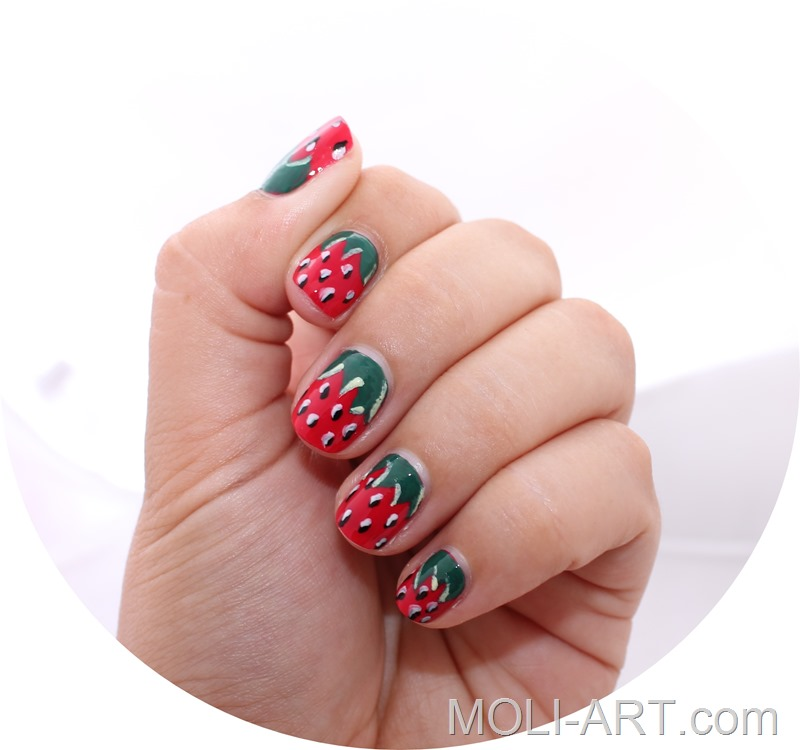 strawberry-nail-art-uñas-de-fresa-verano-2014