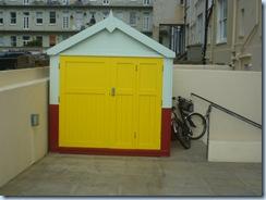 Hut P1080546