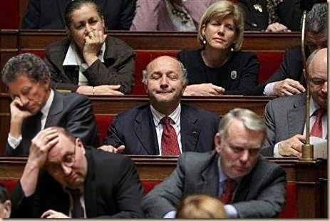 Les politiques sommeillent (15)
