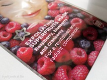 01-superdrug-exfoliating-superfruits-mask-raspberry-blueberry-cranberry-review-face-mask-pack