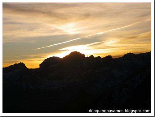 Corredor Noroeste (Izquierda) 300m AD  65º (Pico Serrato 2888m, Pirineos) 7475