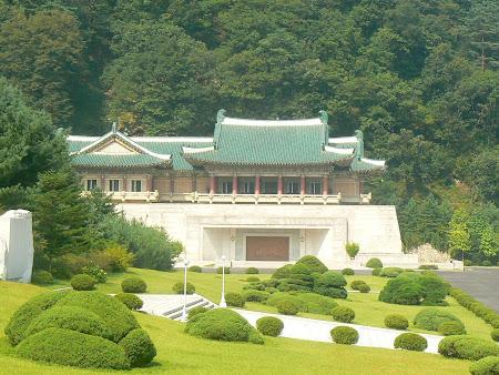 Atractii Coreea de Nord: Palatul cadourilor