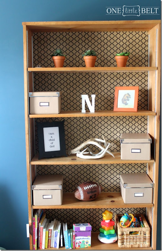 wallpaper-backed-bookcase2