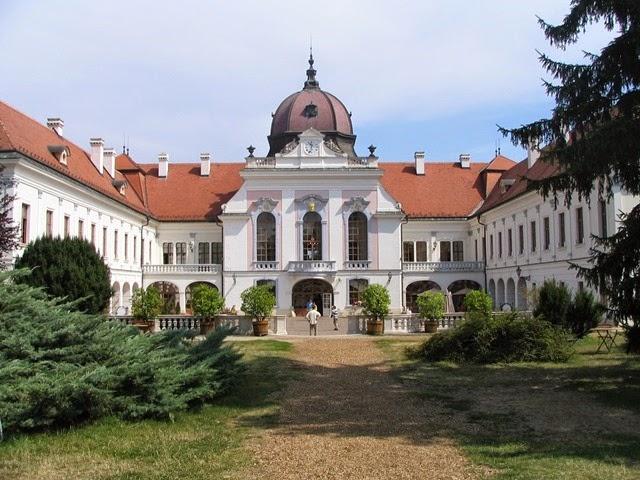 Godollo_palace1.JPGde hungria