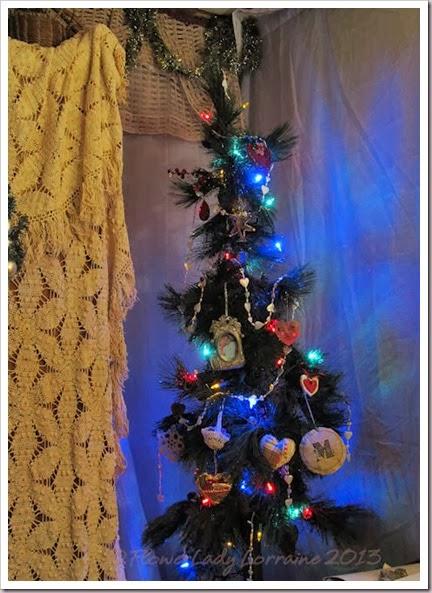 12-09-love-tree2