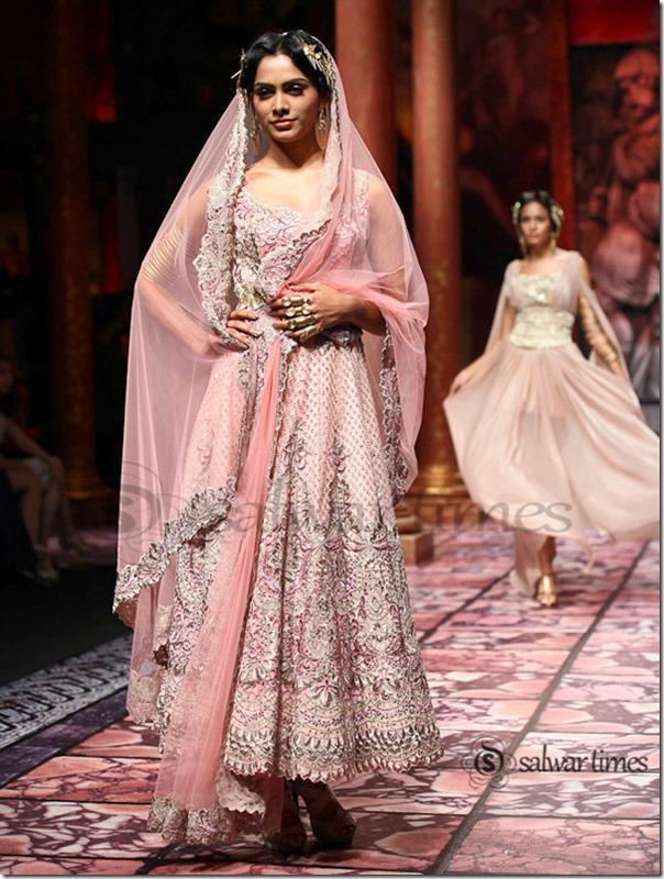 Suneet_Verma_India Bridal_Fashion_Week 2013 (1)