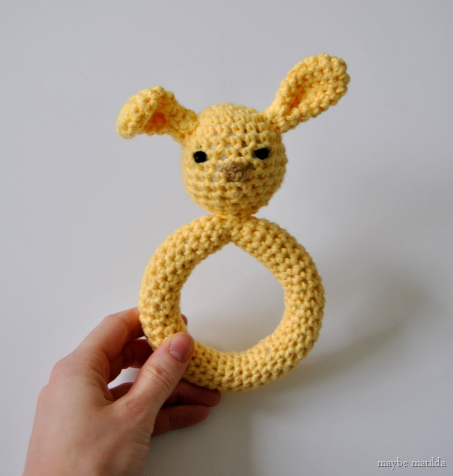 Crochet Bunny Teething Ring (free pattern and step-by-step photo tutorial!)