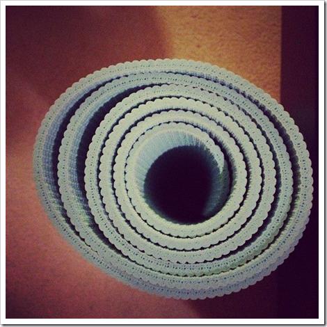 32_yoga_mat