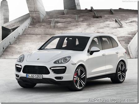Porsche-Cayenne_Turbo_S_2013_800x600_wallpaper_01