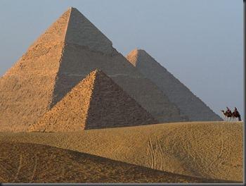 giza-pyramids_24757_600x450