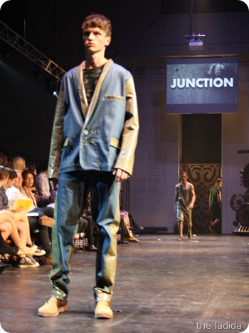 Kobe Kai - Raffles Graduate Fashion Show 2012 - Junction (98)