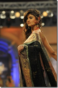 Nomi-Ansari-at-Bridal-Couture-Week-2012-Mastitime247