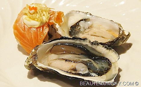 Parkroyal hotel Fresh Oysters and Sushi Plaza Brasserie beach road