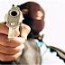 Criminosos e vigilante de faculdade trocam tiros em Aracaju.