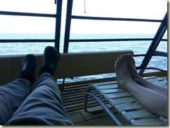 20121227_Relaxin on the deck (Small)