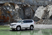 2014-Toyota-Land-Cruiser-Prado-25.jpg
