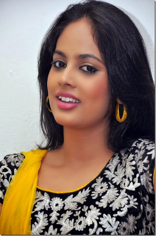 Nanditha_cute_still