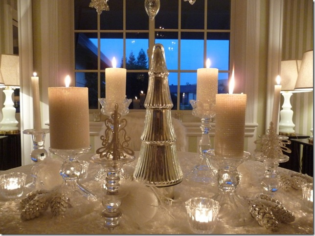 Christmas dining room 2011 angel wings 028 (800x600)