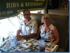 8095 Marlowe's Ribs & Restaraunt - Memphis, Tennessee - Peter and Janette