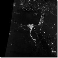 foto bumi malam hari dari nasa - sungai dan delta nil