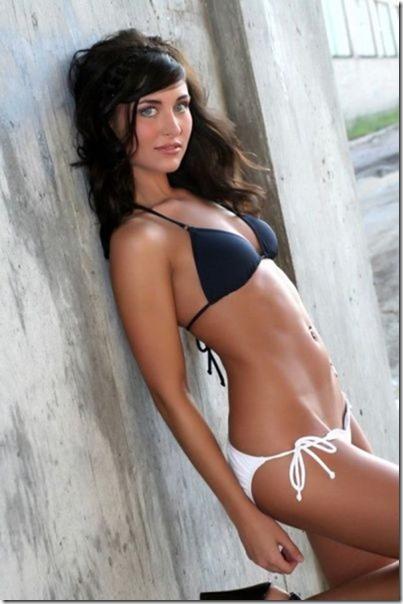 bikini-beach-babes-7