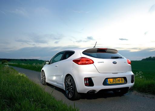 Yeni-Kia-Pro-Ceed-GT-2014-31.jpg
