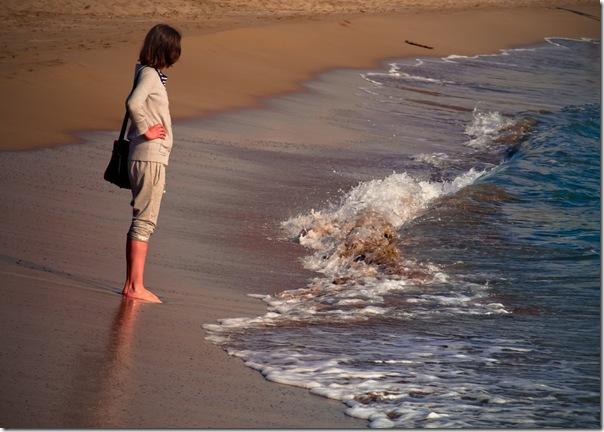 La chica y la ola