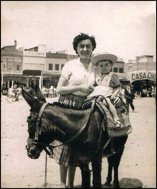 LA FOTO AL MINUTO_Playa _ Fotografía al minuto. Ca. 1950