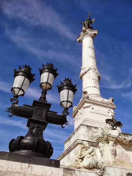 Obiective turistice Bordeaux: Coloana girondinilor