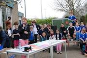 Schoolkorfbaltoernooi ochtend 17-4-2013 388.JPG