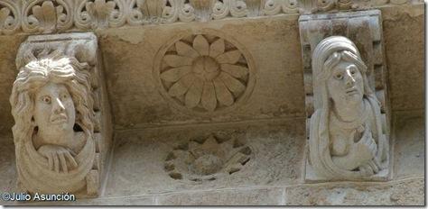 Canecillos de mujer condenada - Basílica de Saint Sernin - Toulouse