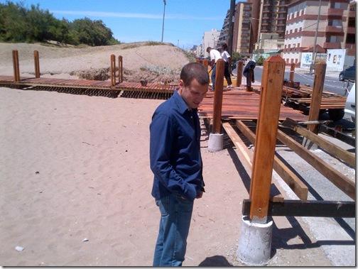 Bajada a playa de Falkner y Andrade