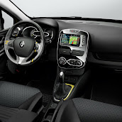 2013-Renault-Clio-Sport-Tourer-10.jpg