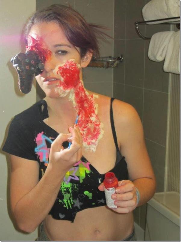 gamer-girl-zombie-makeover-1